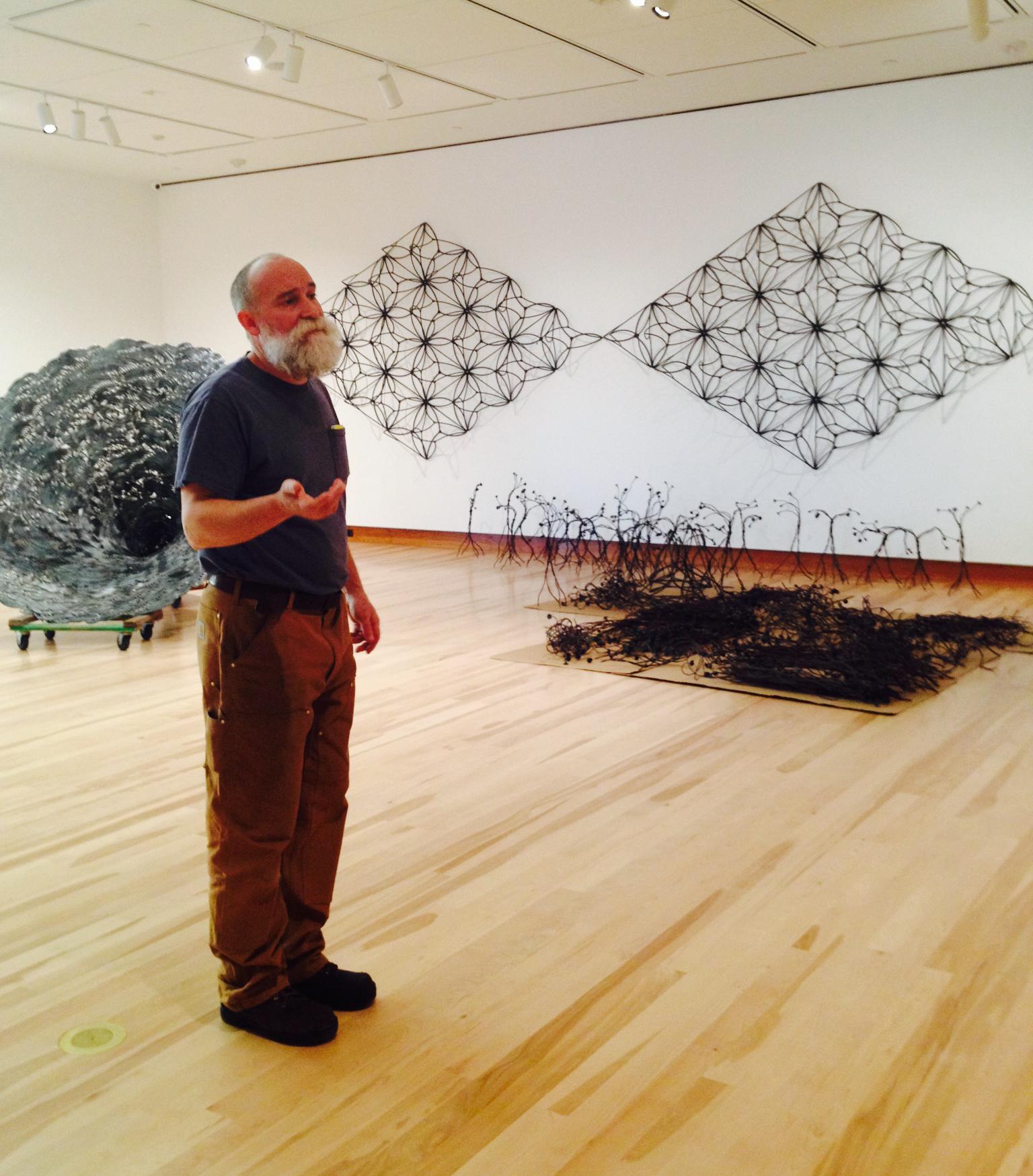 Скульптор Джон Бизби (John Bisbee)