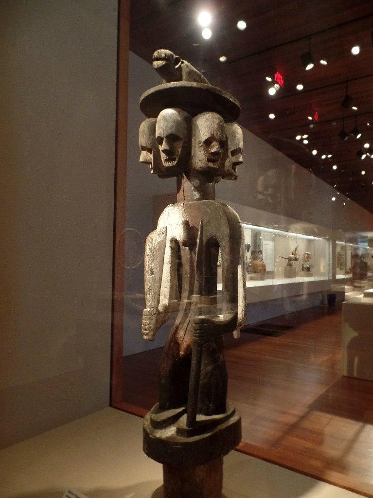 Скульптура духа-защитника