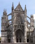 Архитектура | Abbaye de la Trinité de Vendôme | Вимперг