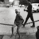 Фотография | Antanas Sutkus | Мальчик в шляпе из газеты. Vilnius, 1964