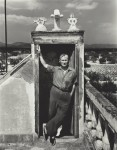 Фотография | Ирвинг Пенн | Joan Miró on His House Roof, Montroig, Spain, 1948
