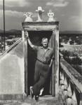Фотография | Ирвинг Пенн | Joan Miró on His House Roof, Montroig, Spain, 1948