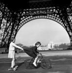 Фотография | Robert Doisneau | Le remorqueur du Champs de Mars