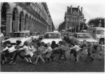 Фотография | Robert Doisneau | Les tabliers de la rue de Rivoli