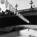 Фотография | Robert Doisneau | Péniche sur la Seine Pont de l'Alma