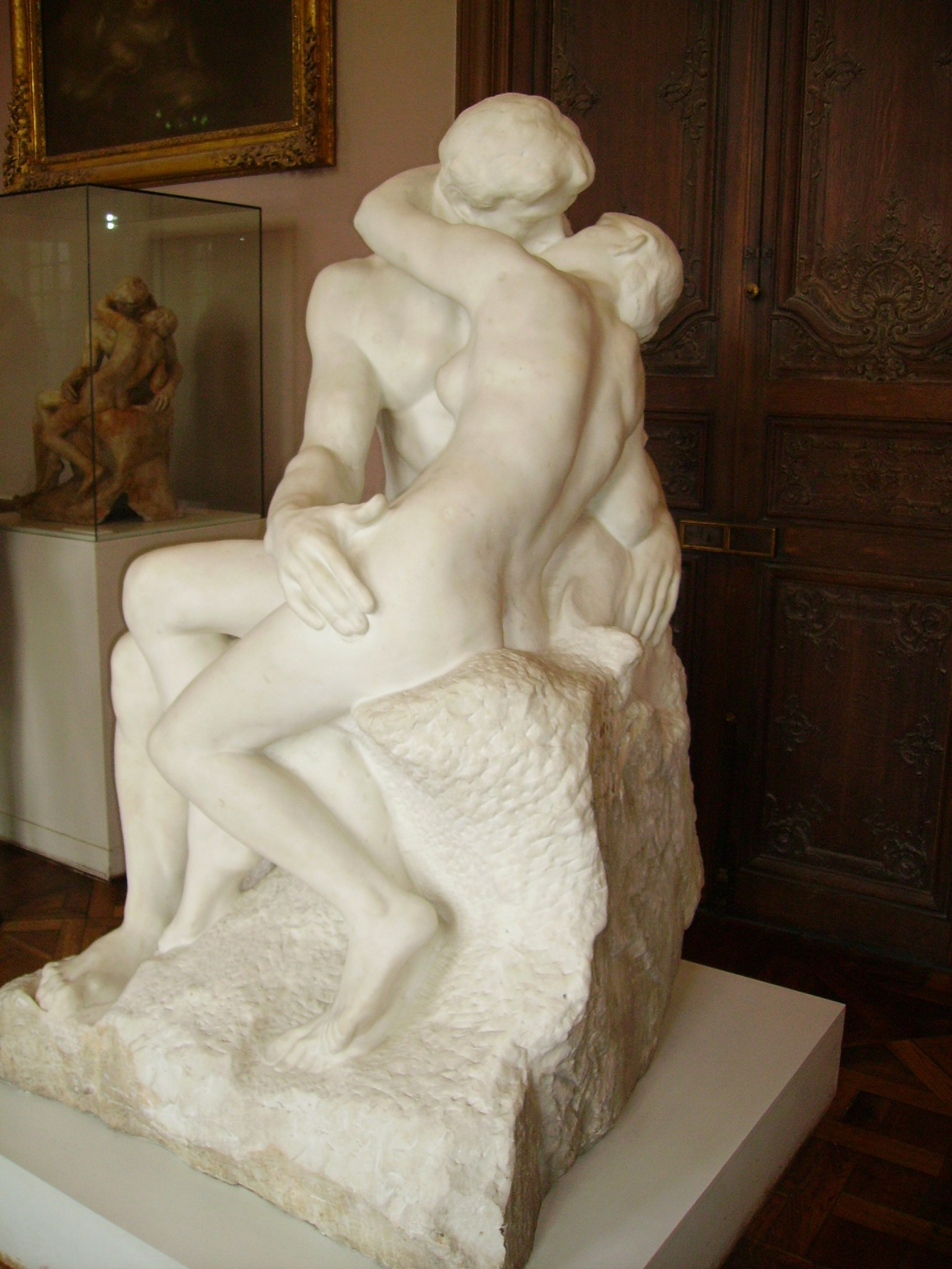 an analysis of the kiss by auguste rodin The kiss (le baiser) was also originally in the gate along with other figures of paolo and francesca da rimini rodin wanted to represent their initial joy as well as.