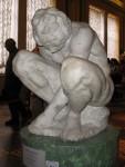 Скульптура | Микеланджело | Скорчившийся мальчик, 1530-34