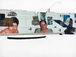 Стрит-арт | Гайа и Мата Руда | Трое рабочих «Завода слоистых пластиков», переехавших в Петербург из Узбекистана. Фотографии и документальные свидетельства конкретных людей переведены в произведения.