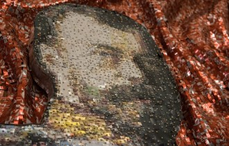 Жесть за царя! Выставка Никоса Флороса в Москве