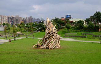 Русский художник показал Башню из слоновой кости на Тайване