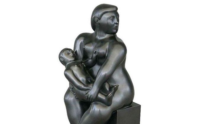 В парижской галерее вор незаметно вынес 15-килограммовую статую