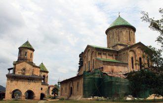 Гелатский монастырь – скромный изумруд Грузии