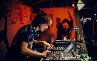 Легенда электронной музыки - DJ Cosmonaut